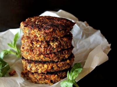 Lentil and Broccoli Burgers